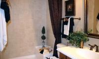 012_Main_Floor_Bath